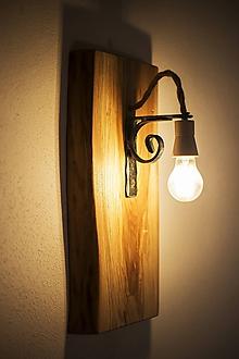 Svietidlá a sviečky - drevaná lampa - 10736978_