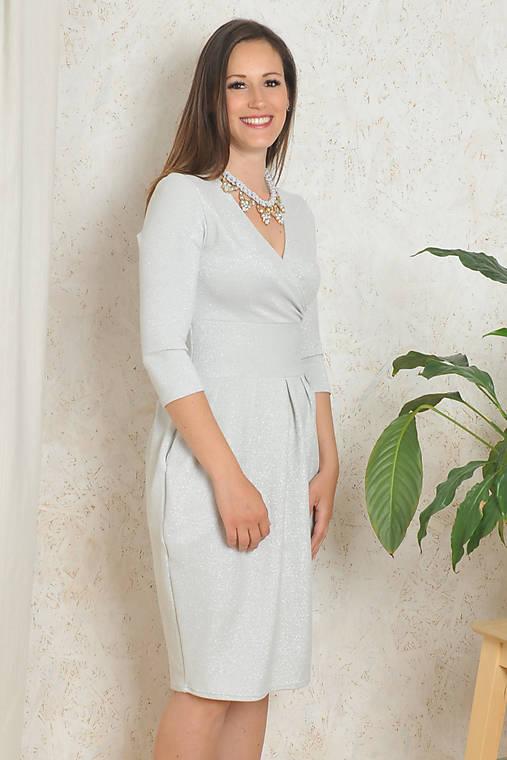 d4b17bf64659 Šaty Audrey - stříbrné třpytivé