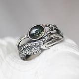 Prstene - Prírodný strieborný prsteň s vetvičkou, listami a machovým achátom - Šum lesa - 10737877_