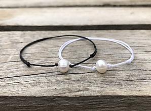 Náramky - Náramok - perla  (biela + čierna (obidva)) - 10739172_