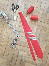 Pánska kravata s folklórnym motívom
