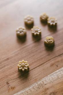 Polotovary - bonbónik z včelieho vosku na obnovu včelieho ekoobalu - 10739576_