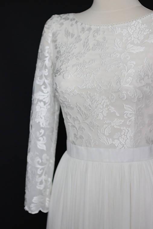 cb3e837def1c Svadobné šaty z tylovej vyšívanej krajky s dlhým rukávom   Dyona ...