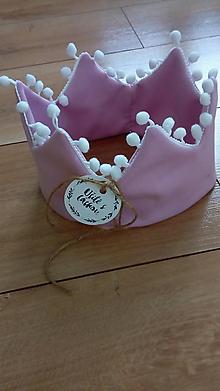Detské čiapky - Korunková čelenka s brbolcami - 10738311_