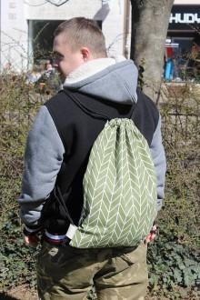 Batohy - Usmej sa na mňa: Trendový batoh (Štýlový chalan v zelenom) - 10740693_