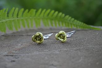 Náušnice - Zelené ružičky - 10741577_