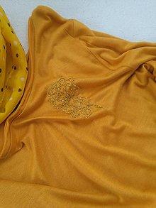 Tuniky - V zlate (tunika s ručnou výšivkou) - 10742977_