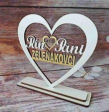 Darčeky pre svadobčanov - Srdiečko Pán a Pani s priezviskom - 10742985_