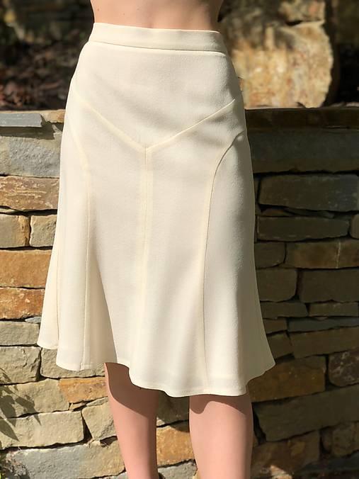 Vlnená sukňa alla Chanel