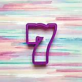 Vykrajovačka Číslo 7