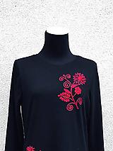 Tričká - Červené tričko s ručnou výšivkou  - 10742765_