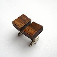 Šperky - Drevené manžetové gombíky - orechové kvádriky - 10742155_