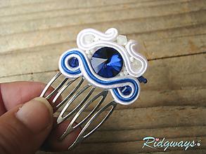 Ozdoby do vlasov - Hrebienok malý...soutache (White/Blue) - 10746511_