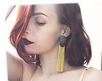 Náušnice - Buttonky so strapcom. Zeleno - zlaté - 10746577_