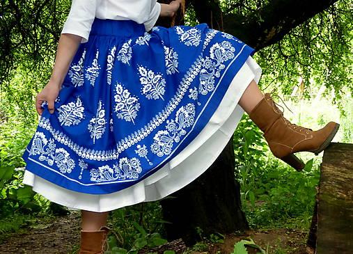 Suknica Biely folklór na modrej