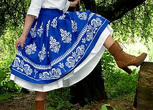 Sukne - Suknica Biely folklór na modrej - 10747427_