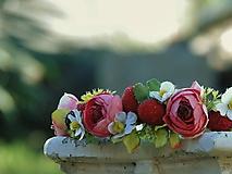 Ozdoby do vlasov - Kvetinový venček do vlasov - 10747310_