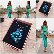 Náhrdelníky - Náhrdelník/Asymetrické srdce zafírovo-smaragdové - 10747864_