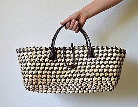 Kabelky - Strakatá hnedo-prírodná kabelka s koženou rukoväťou - 10748661_