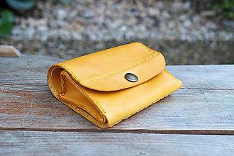 Peňaženky - Malá kožená peněženka MontMat -  žlutá - 10747581_