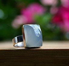 Prstene - Chalcedónový prsteň - 10746398_