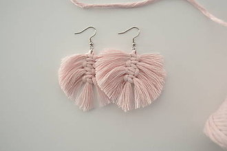 Náušnice - Macramé náušničky ružové - 10748316_
