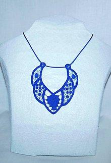 Náhrdelníky - Vyšívaný náhrdelník - 10747302_