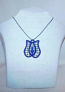 Náhrdelníky - Vyšívaný náhrdelník - tulipán - 10747336_