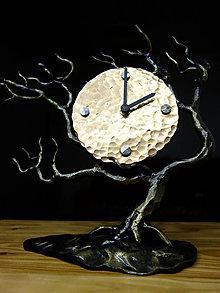 Hodiny - Kované hodiny s bronzovým číselníkom - 10747285_
