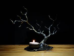 Svietidlá a sviečky - Svietnik na čajovú sviečku v tvare stromu - 10747391_