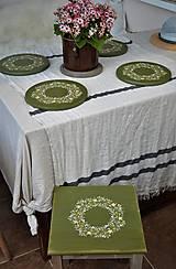 Nábytok - Drevený stolík zo série