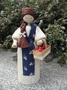 Dekorácie - Šúpolienka s jabĺčkami v košíku 1 - 10749289_