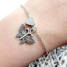 Náramky - Animal Heart Bracelet / Náramok so srdcom a príveskom (Motýľ) - 10749268_
