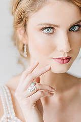 Prstene - Reliéfny strieborný prsteň s eilatským kameňom - Šum - 10748839_