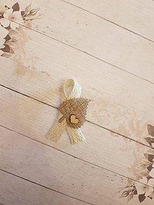 Pierka - vintage pierko z jutoviny s listom a  dreveným srdiečkom - 10749433_