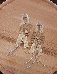 Pierka - vintage natur pierko z jutoviny s listom alebo kvetom a dreveným srdiečkom pre  rodičov, svedkov - 10749446_