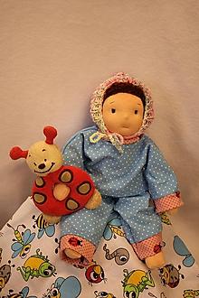 Hračky - Waldorfská panenka v zavinovačce - 10750938_