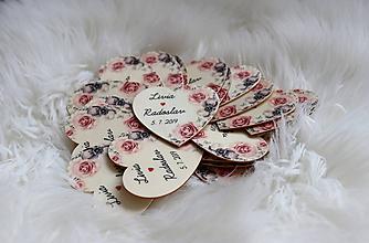 Darčeky pre svadobčanov - Magnetka pre hostí v tvare srdiečka - 10751386_