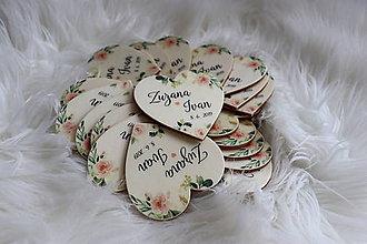 Darčeky pre svadobčanov - Magnetka pre hostí v tvare srdiečka - 10751396_