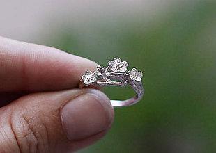 Prstene - ZÁKAZKA Vetvičkový s lúčnymi kvetmi a olivínom - 10751567_