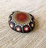 Dekorácie - Hnedomedený - Na kameni maľované - 10751461_