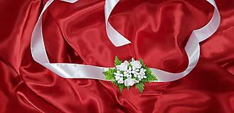 Náramky - Biely svadobný kvetinový náramok - 10749376_