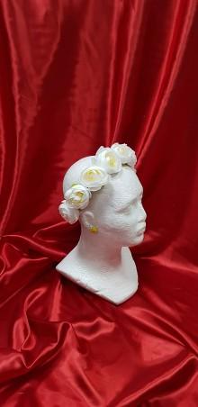 0f0ab8d76efc Ozdoby do vlasov - Nežná bielo-béžová kvetinová čelenka na svadbu alebo  prvé sväté prijímanie