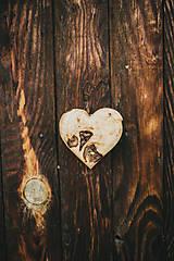 Dekorácie - Drevené srdiečko (rôzne dreviny) - 10749555_