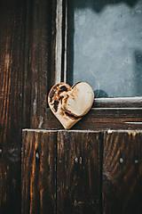 Dekorácie - Drevené srdiečko (rôzne dreviny) - 10749556_