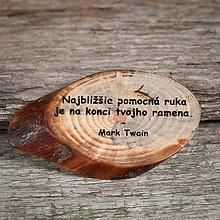 Magnetky - Magnetka - citát - Najbližšia pomocná ruka - 10749432_