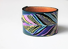 Náramky - Peříčko, kožený ručně malovaný náramek - 10751620_