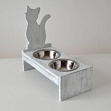 Pre zvieratká - Stolík na misky pre mačičky - 10752828_
