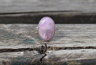 Prstene - Strieborný prsteň Kunzit - 10751986_