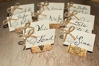 Papiernictvo - korkové menovky pre svadobčanov - 10752991_
